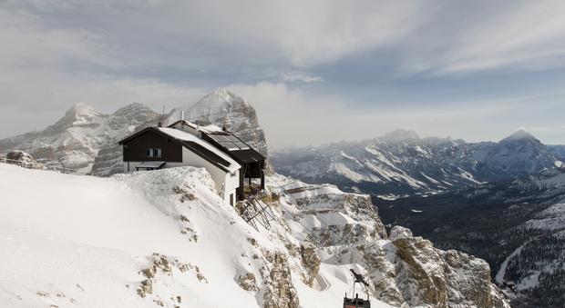 Lagazuoi Expo Dolomiti, galleria d'arte a 2.778 metri di quota: in mostra reperti preistorici