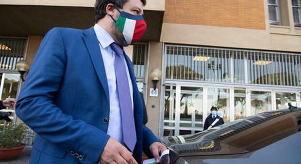 Matteo Salvini incontra Draghi: «Dovere riaprire a metà aprile, non si può restare in rosso a vita»
