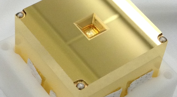 Spazio, onde gravitazionali, la sonda Lisa Pathfinder libera i cubi d'oro a 1.5 milioni di km dalla Terra