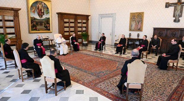 Madonna di Fatima, la preghiera del Papa: «Rende le afflizioni della vita più sopportabili»