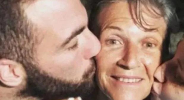 Higuain, morta la mamma a 64 anni: era malata di cancro