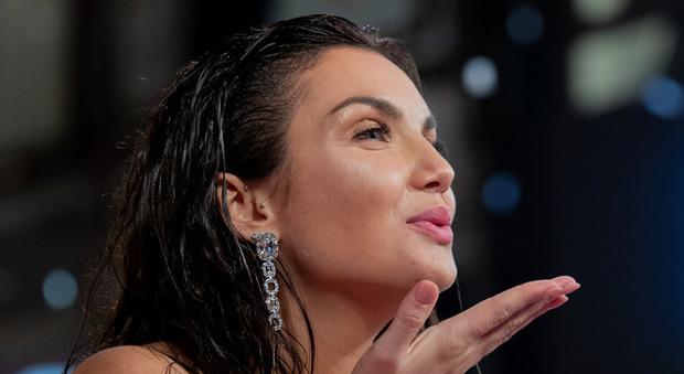 """Elettra Lamborghini, testo e significato di """"Musica (e il resto scompare)"""": l'amore ai tempi del reaggaeton"""