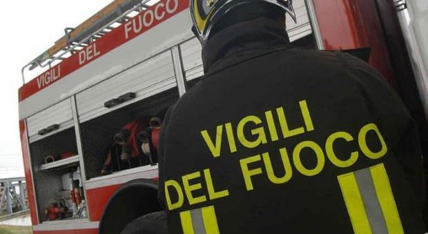 Rischio crollo, palazzina evacuata a Civitavecchia: «Lesioni strutturali»