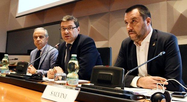 Salvini: 'Il Napoli fa male se si ferma per i cori razzisti'