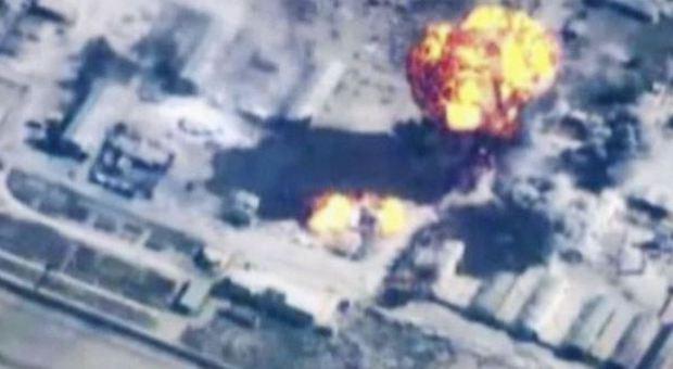 Isis, jihadista pubblica selfie sui social network, l'esercito Usa lo uccide 22 ore dopo