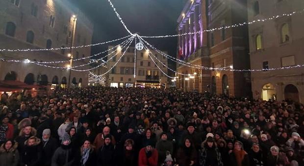 Lockdown Italia, da Halloween a Capodanno le feste che spaventano le famiglie: «Troppi asembramenti»
