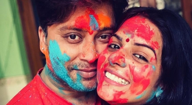 India, morto l'attore Rahul Vohra di Covid: la moglie posta il video-denuncia sulle cure ricevute