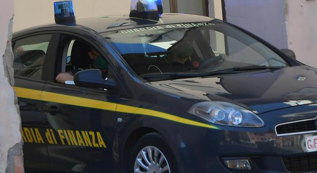 Roma, traffico di cocaina: sgominata organizzazione. A capo un ex della banda della Magliana, 20 arresti