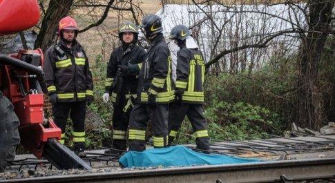 Incidente sul lavoro, due operai morti schiacciati da una lastra nel Milanese