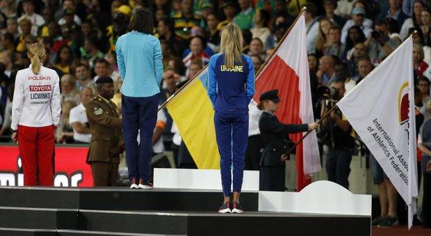 Mondiali di atletica, Maria vince l'oro e festeggia senza bandiera