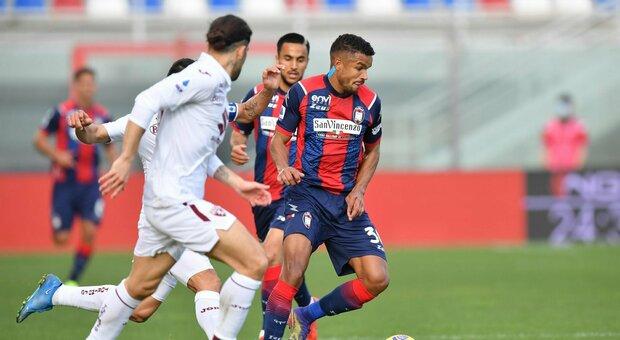 Crotone, salto in avanti: demolito il Torino, 4-2
