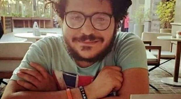 Zaki in aula in manette, processo aggiornato al 28 settembre: «Liberatemi, sono innocente»