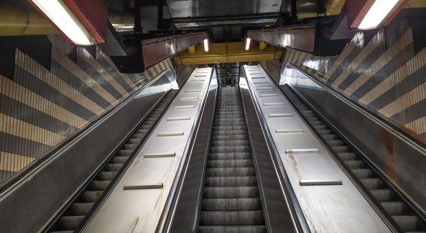 Roma, metro A: addetto alle scale mobili in «congedo parentale», chiusa la fermata Baldo degli Ubaldi