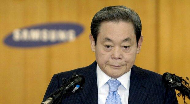 Samsung, morto il presidente Lee Kun-hee, aveva trasformatto l'azienda in un colosso mondiale