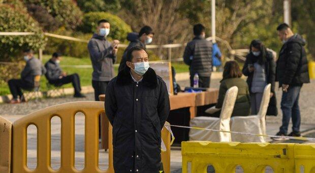 Wuhan, conclusa missione Oms: «Virus dagli animali, nessuna fuga dal laboratorio»