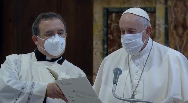 Il Papa (con mascherina) coi leader religiosi in Campidoglio prega contro il Covid e il terrorismo