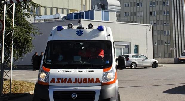 Perugia, a 12 anni va in ospedale con dolori alla pancia e scopre di essere incinta: indaga la polizia
