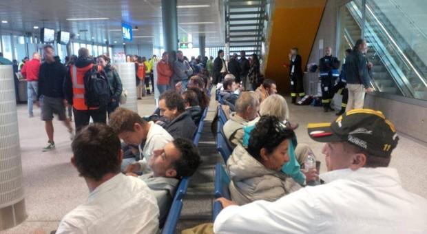 Belgio, aeroporti chiusi per sciopero generale