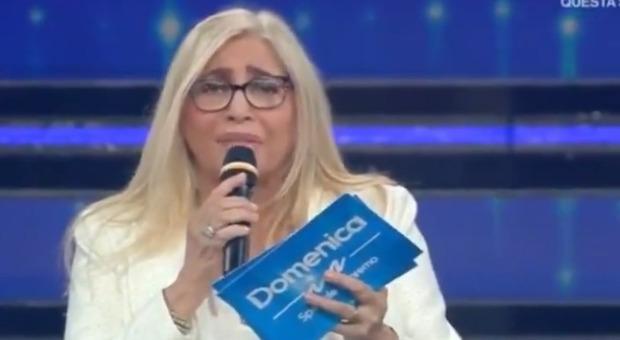 Domenica In, Mara Venier furiosa con gli Extraliscio: «Non avete rispetto per Papa Francesco»
