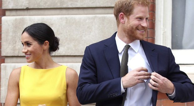 Harry e Meghan, al principino Louis Winnie the Pooh da 8.000 sterline: oggi il battesimo