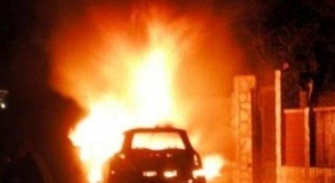 Montesacro, piromani in azione durante la notte, distrutte dieci auto