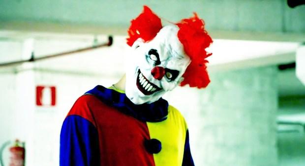 Svezia, teenager aggredito da un clown: allarme in Europa