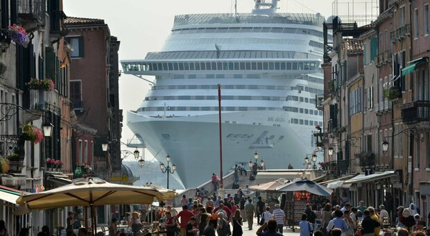 Grandi navi dirottate da Venezia a Marghera, qui l'attracco temporaneo deciso dai ministri
