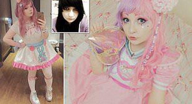 """Krista Magica, tutti pazzi per la """"bambola vivente"""": «Non avevo fiducia in me stessa, ora sono felice»"""