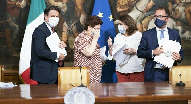 Ristori, ministra Catalfo: «In arrivo 1,5 miliardi per l'anno bianco dei lavoratori autonomi»