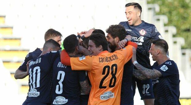 Il gol dell'anno è ancora di Castagnetti, segna da 65 metri. Avanzano Empoli e Monza, Lecce e Brescia