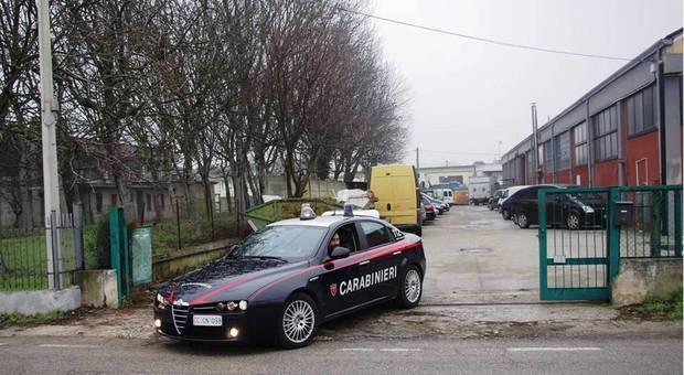Biella, resti umani abbandonati in scatoloni: arrestati due uomini e tempio crematorio sequestrato