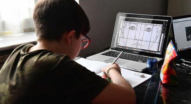 Intesa Sanpaolo e Fondazione Cariplo, donati 3.650 computer e 200 tablet agli studenti