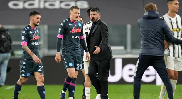 Napoli, Gattuso ha scelto Osimhen come centravanti. Zielinski stringe i denti e ci sarà