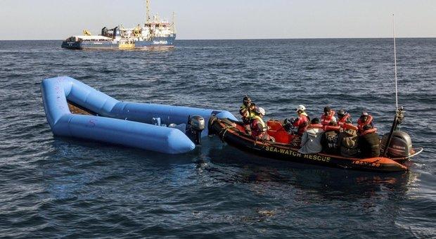 Migranti, 393 riportati in Libia. Salvini: «La collaborazione funziona»