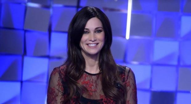 Manuela Arcuri, la paura segreta a Verissimo: «Ero innamorata di Gabriel Garko. Forse sono caduta nella loro rete». Silvia Toffanin stupita