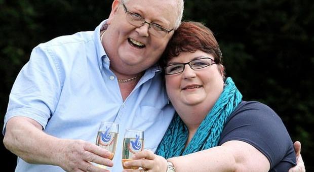 Vinsero alla Lotteria 161 milioni (il jackpot più alto di sempre), divorziano dopo 38 anni