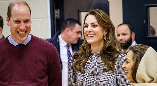 Kate Middleton di nuovo low cost, l'abito Zara costa meno di 30 euro