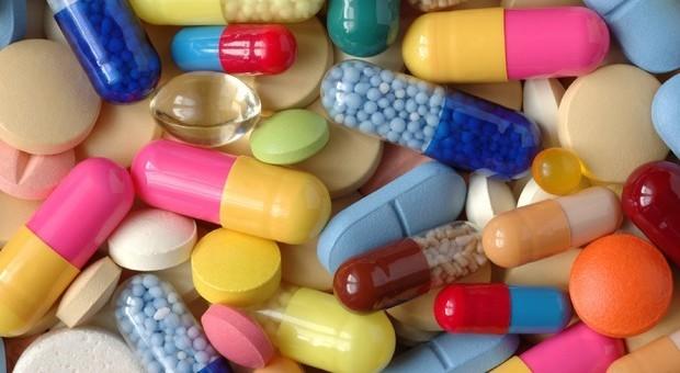 Lista nera per 200 farmaci, tra gli effetti collaterali anche la depressione