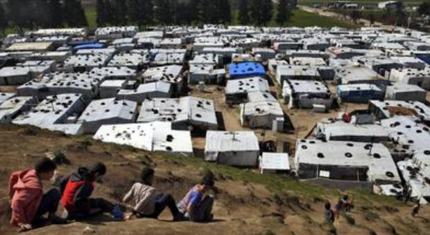 Migranti e Turchia, la Ue pronta a finanziare altri campi profughi per siriani