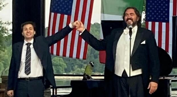 Il Maestro Mauro Ronca e il tenore Gianluca Sciarpelletti durante la presentazione del concerto