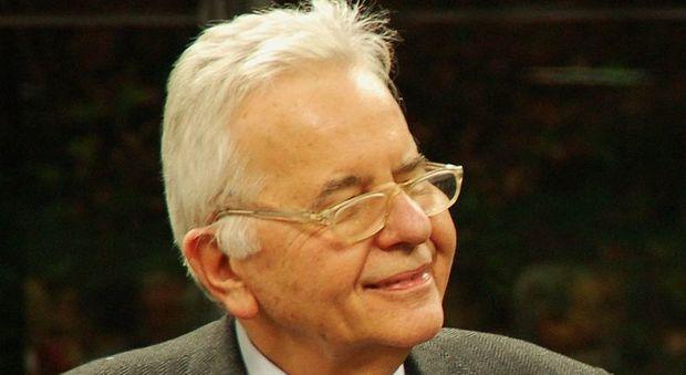 16 agosto 2010 Muore a Roma il fisico Nicola Cabibbo