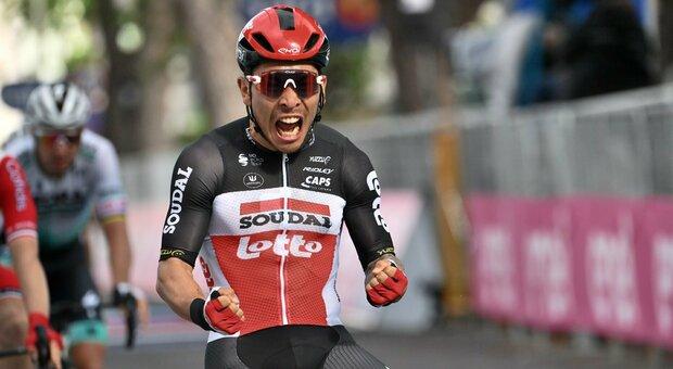 Giro d'Italia: a Cattolica vince Ewan, Landa finisce contro uno spartitraffico