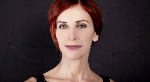 Al festival «I Solisti del Teatro» stasera «Faccia un'altra faccia» di e con Tiziana Foschini e Antonio Pisu