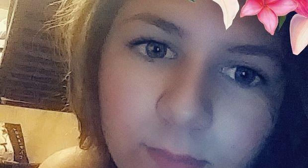 Uccide la migliore amica perché un uomo sul web le ha promesso 9 milioni di dollari per le immagini dell'omicidio