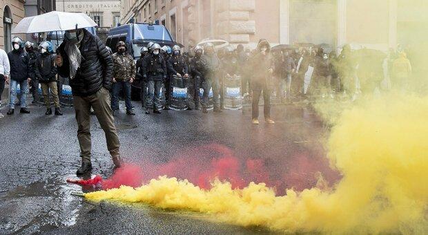 Manifestazioni e proteste, come frenare i violenti e capire il disagio di chi scende in piazza