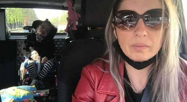 Disabilità, la battaglia di una mamma: «Mia figlia Alice esclusa dalla scuola»