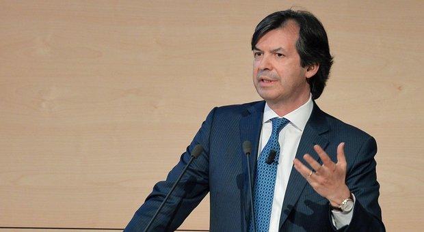 Carlo Messina, delegato della Banca Intesa San Paolo, per l'emergenza Coronavirus ha donato 100 milioni di euro.