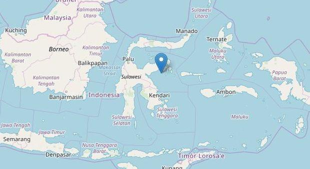 Indonesia, terremoto 6.8 al largo Sulawesi: allerta tsunami
