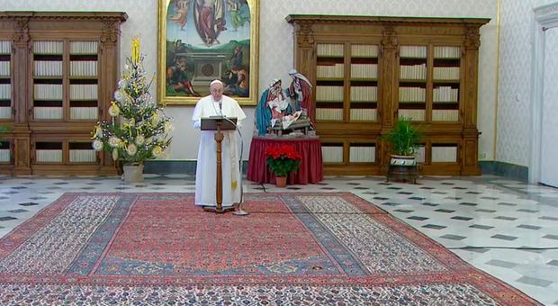 Papa Francesco: «Collaboriamo con autorità per fuggire da pandemia»