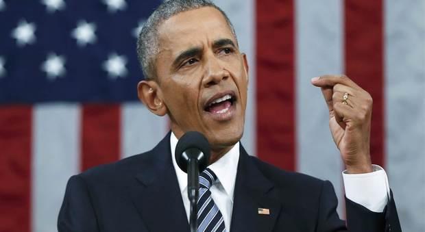 Obama: Votate Hillary, è in gioco la nostra democrazia